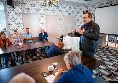 Zespół Vet-Com podczas szkolenia dotyczącego ASF z profesorem Zygmuntem Pejsakiem.